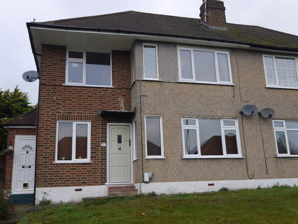 2 Bedrooms Maisonette Flat for rent in West Wickham