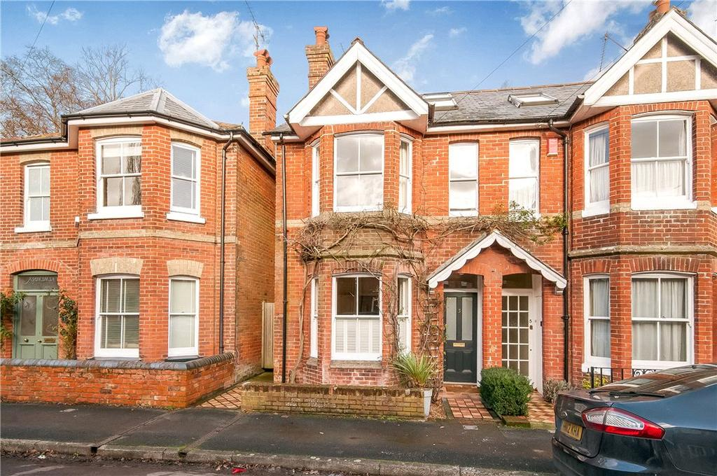 3 Bedrooms Semi Detached House for sale in Nuns Road, Winchester, Hampshire, SO23