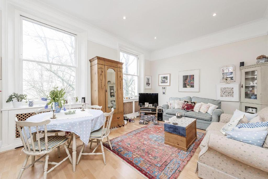 1 Bedroom Flat for sale in Holland Park Gardens, Holland Park, W14