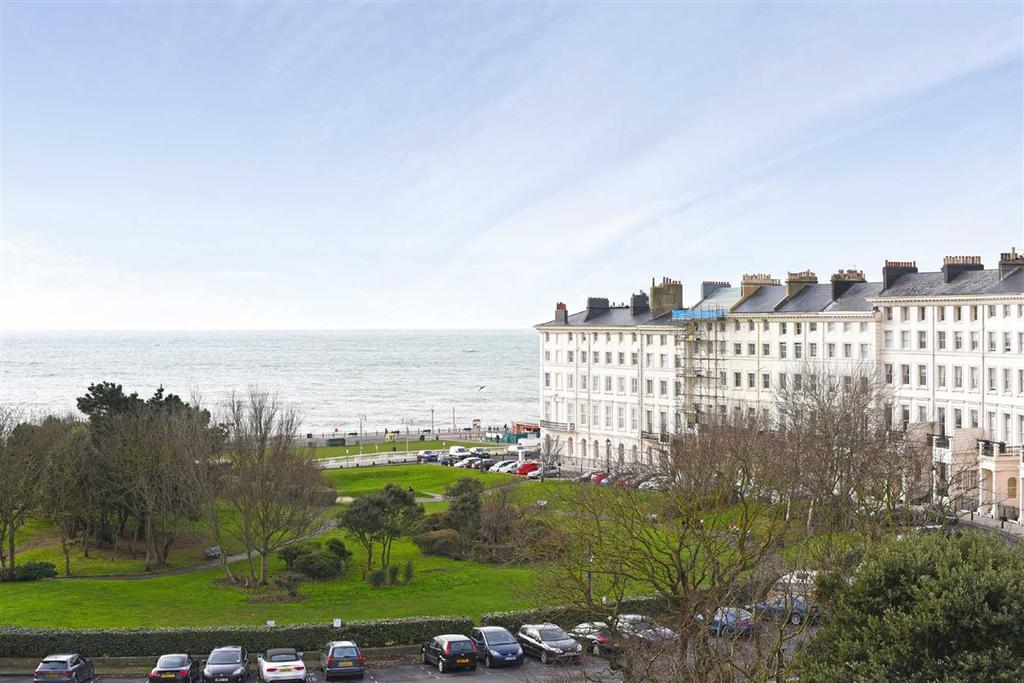 4 Bedrooms Flat for sale in Palmeira Square, Hove, East Sussex