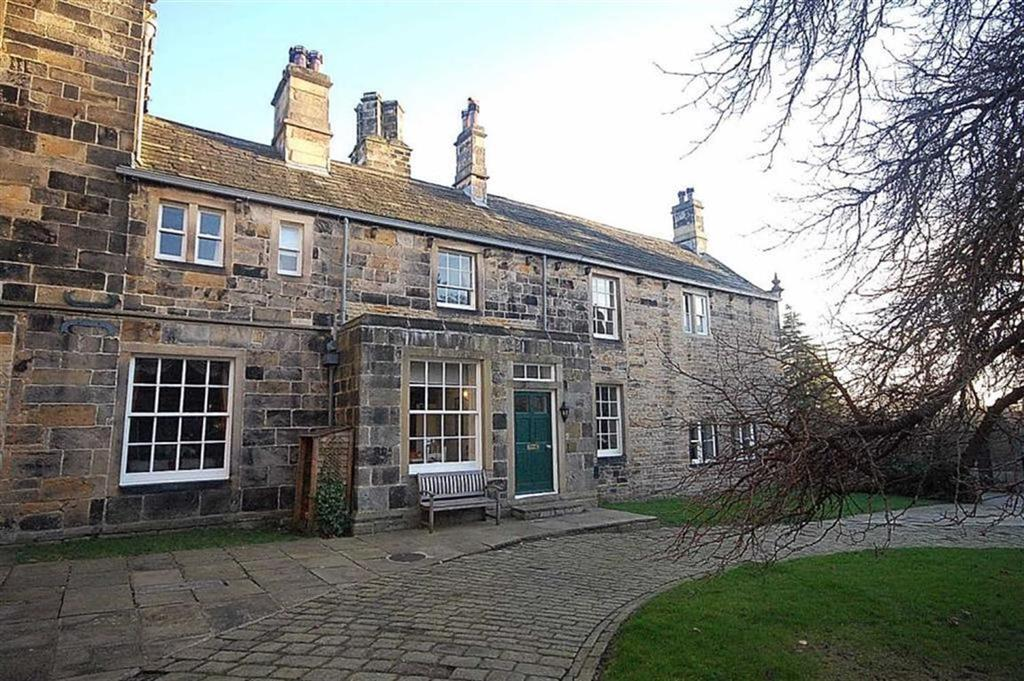 4 Bedrooms Unique Property for sale in Kirklees Hall, Clifton, HD6