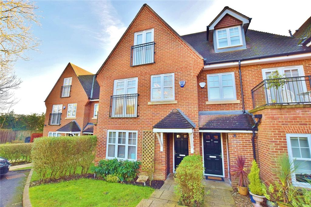 4 Bedrooms House for sale in Tower View, Bushey Heath, Hertfordshire, WD23
