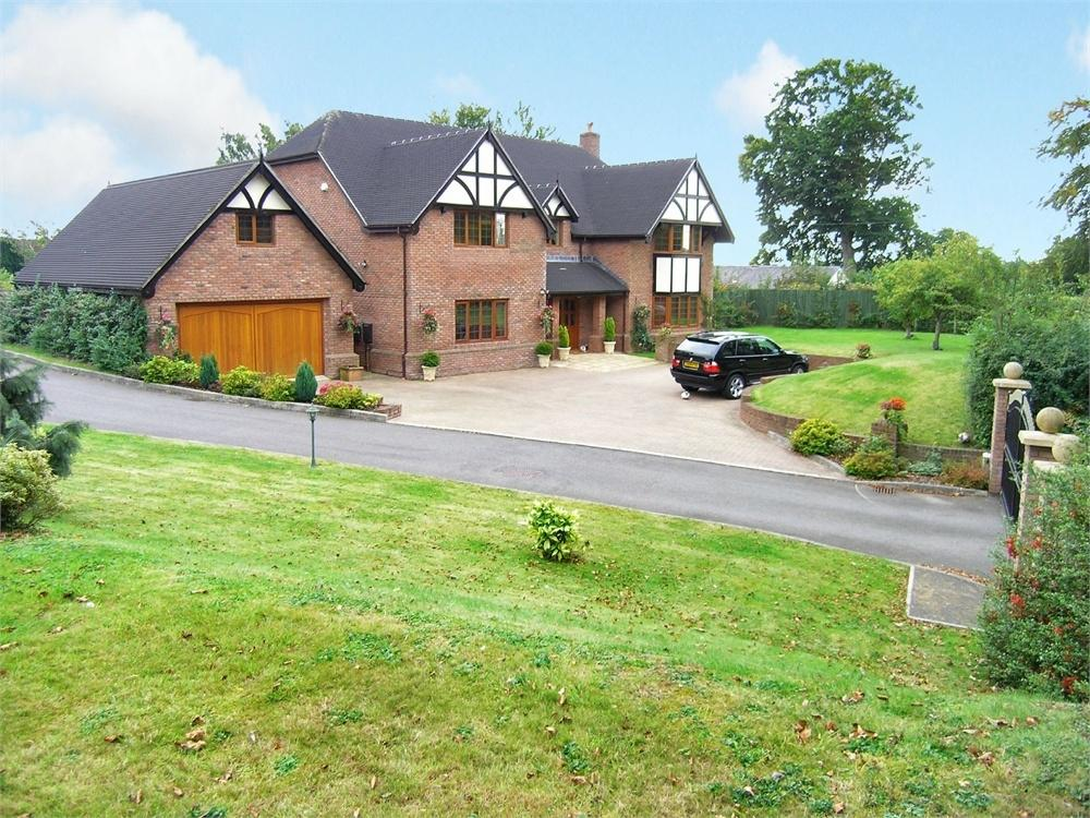 4 Bedrooms Detached House for sale in Druidstone Road, Old St Mellons, Cardiff