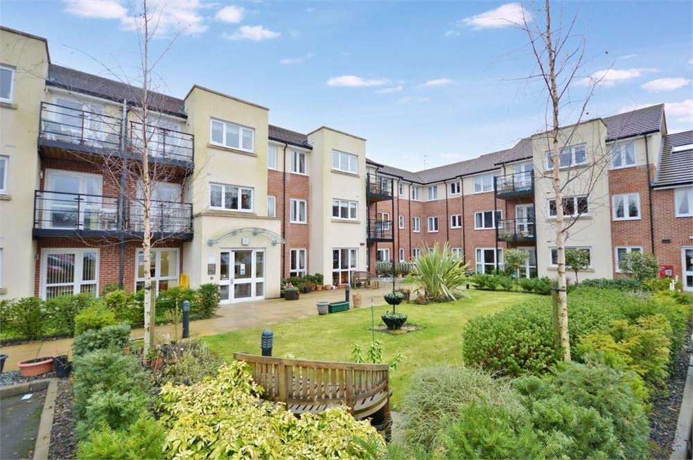 1 Bedroom Retirement Property for sale in Waggoners Court, Bishop's Stortford, Herts