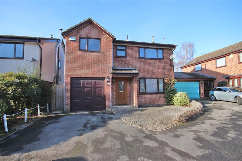 4 Bedrooms Detached House for sale in Stourpaine Road, West Canford Heath, Poole