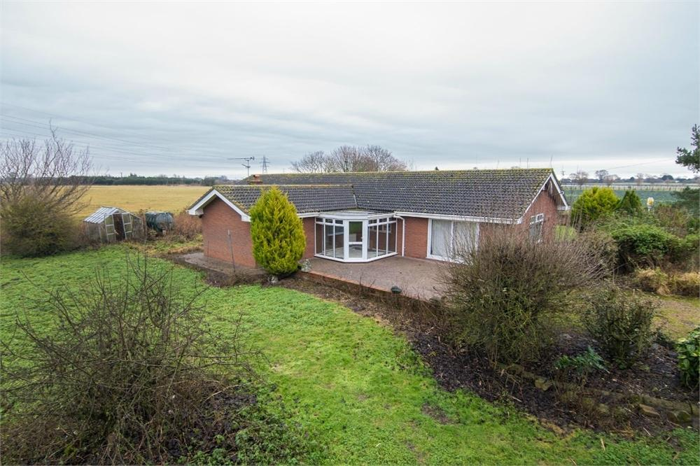 4 Bedrooms Detached Bungalow for sale in Claxey Bank, Friskney, Boston, Lincolnshire