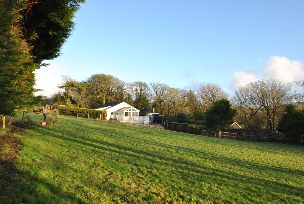 3 Bedrooms Bungalow for sale in Kilkhampton, Bude