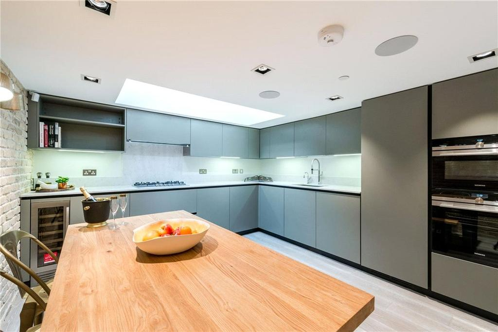 3 Bedrooms Semi Detached House for sale in Bell Street, Marylebone, London, NW1