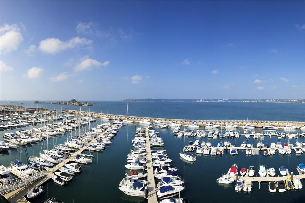 2 Bedrooms Penthouse Flat for sale in Millais House, Castle Quay, Jersey, JE2