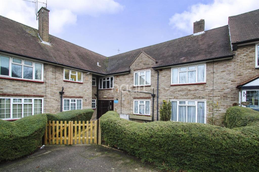 2 Bedrooms Flat for sale in Elstree Hill North, Elstree