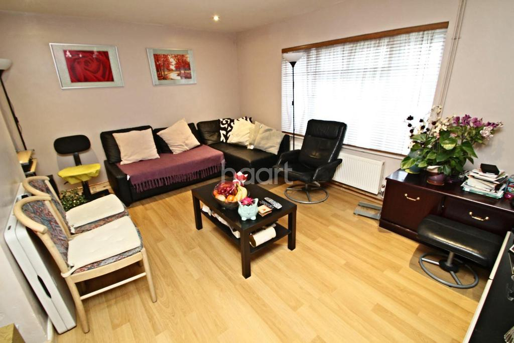 2 Bedrooms Flat for sale in Elstree Hill North, Elstree