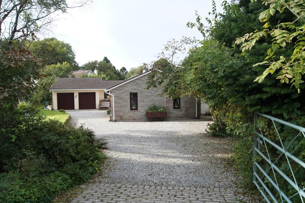 3 Bedrooms Detached Bungalow for sale in Moorland Close, Yelverton