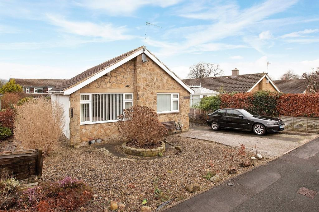 3 Bedrooms Detached Bungalow for sale in St Helens Way, Ilkley