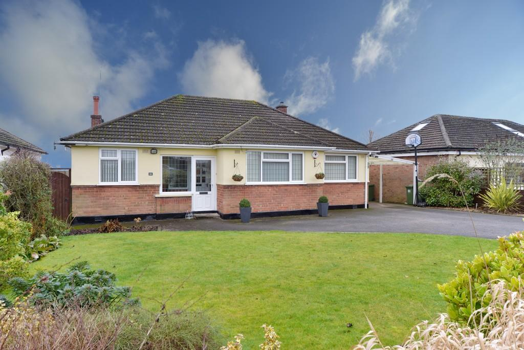 3 Bedrooms Detached Bungalow for sale in Red Lane, Burton Green