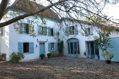 5 bedroom house  - Stone Farmhouse, Pyrenees Atlantiques, Aquitaine
