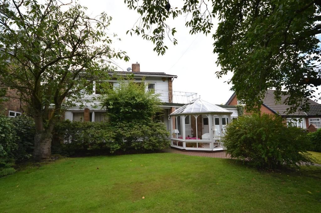 3 Bedrooms Detached House for sale in Church Lane, St. Helens