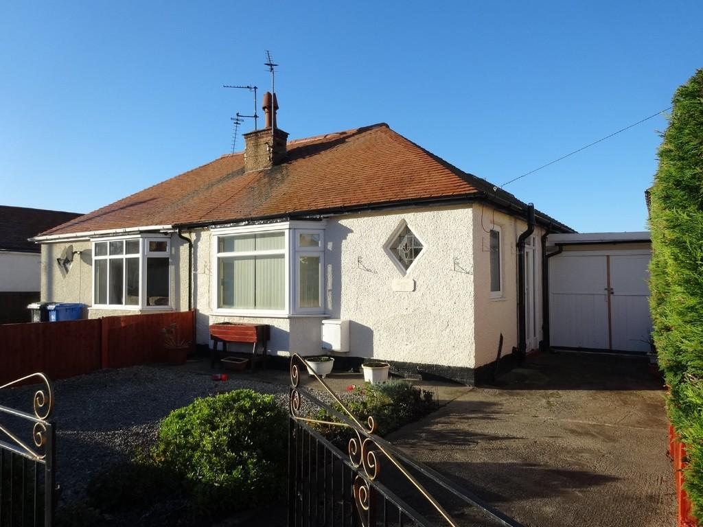 2 Bedrooms Detached Bungalow for sale in Weaver Avenue, Rhyl