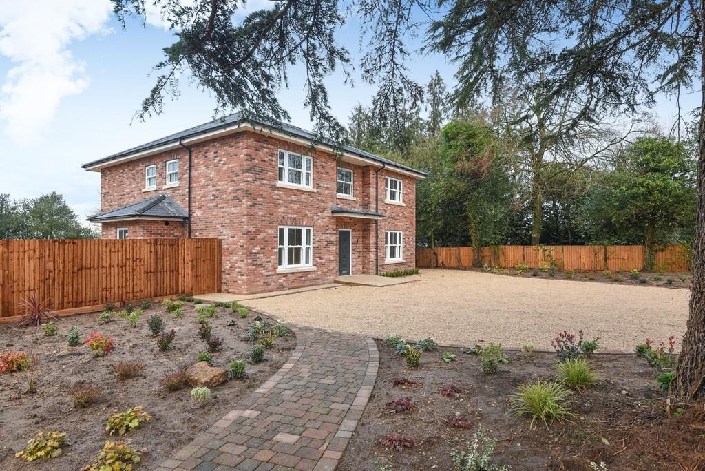 5 Bedrooms Detached House for sale in Halstead Road, Aldham