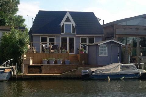 2 bedroom detached house for sale - Garrick's Ait, Hampton