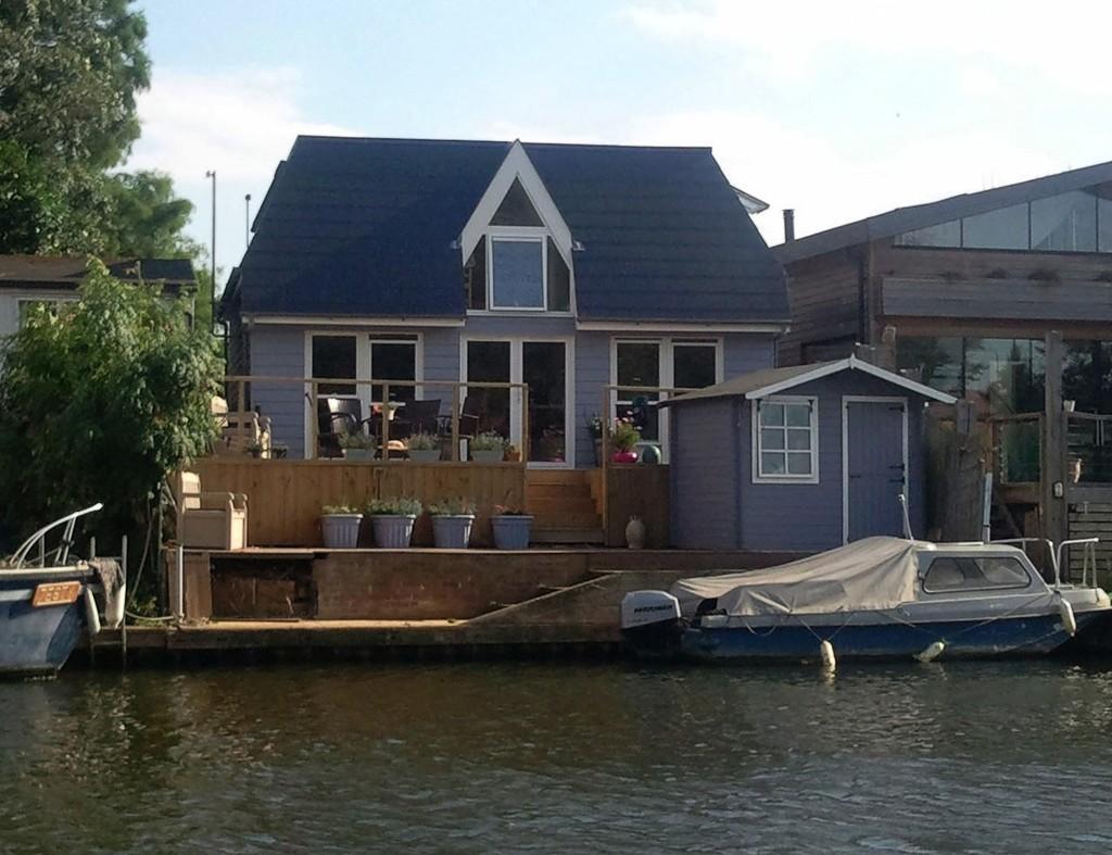 2 Bedrooms Detached House for sale in Garrick's Ait, Hampton