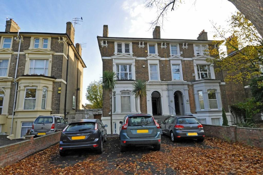 1 Bedroom Apartment Flat for sale in High Road, Buckhurst Hill