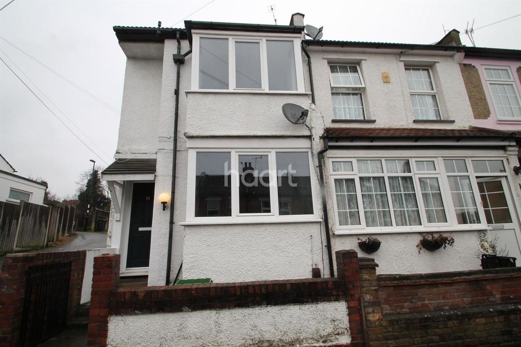 3 Bedrooms End Of Terrace House for sale in Woodman Road, Coulsdon, CR5