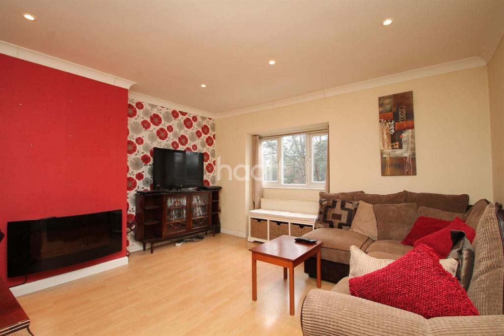 1 Bedroom Flat for sale in Coulsdon Road, Coulsdon, CR5