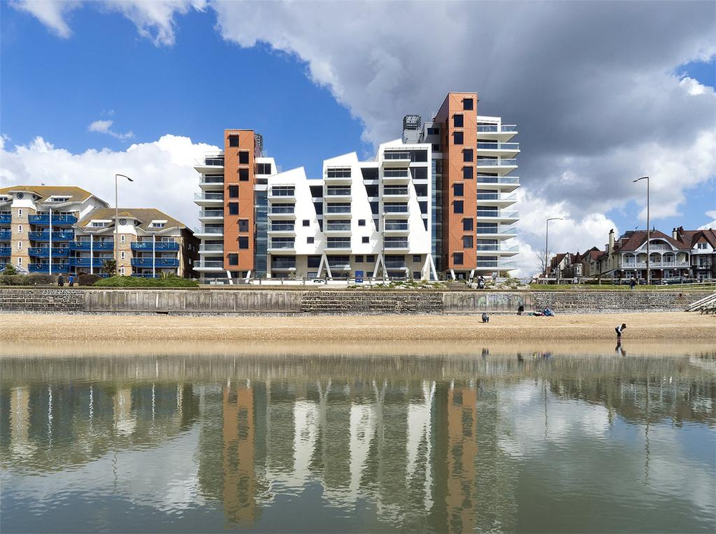 2 Bedrooms Flat for sale in E21, The Shore, 22-23 The Leas, Westcliff On Sea, Essex, SS0