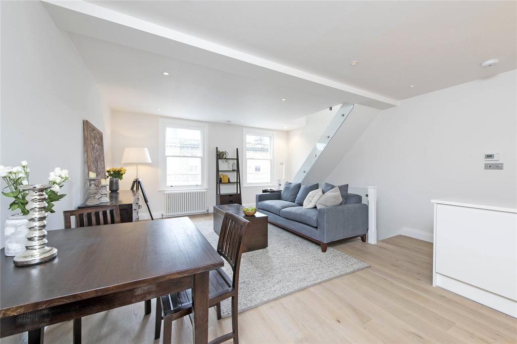 2 Bedrooms Flat for sale in Robertson Street, London, SW8