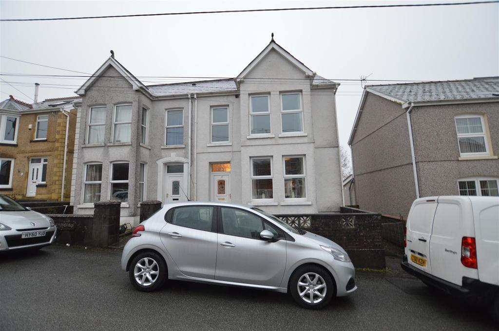 3 Bedrooms Semi Detached House for sale in Ardwyn Road, Upper Brynamman, Ammanford