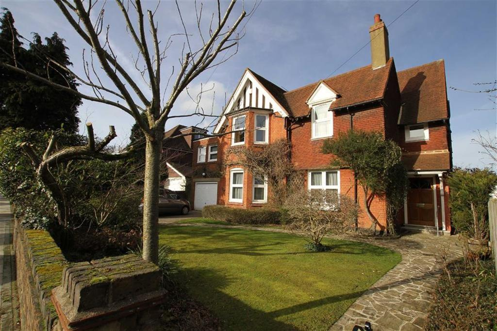 5 Bedrooms Detached House for sale in Athenaeum Road, Whetstone, London, N20
