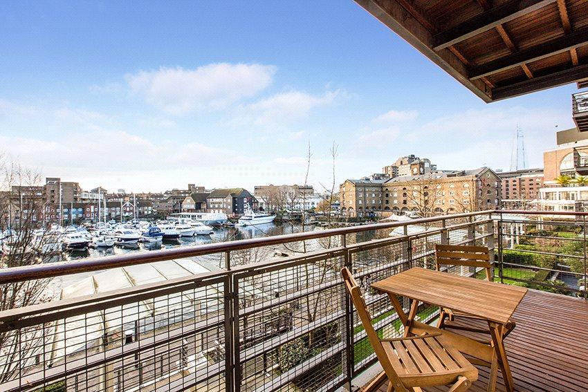 1 Bedroom Flat for sale in Swan Court, Star Place, Wapping, London, E1W