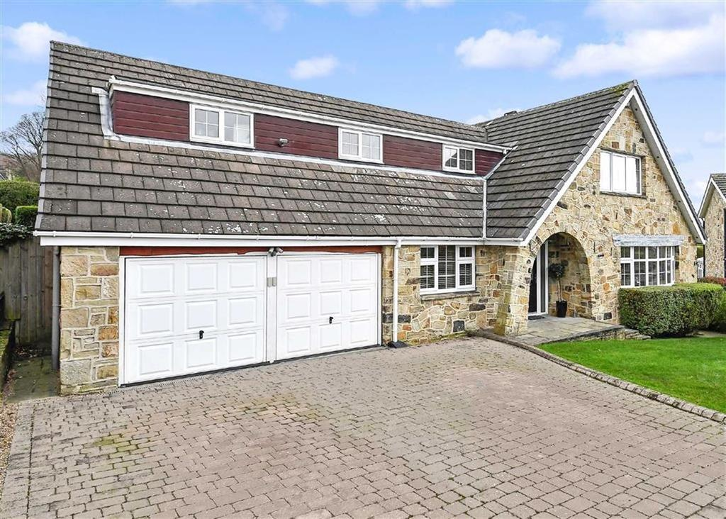 6 Bedrooms Detached House for sale in The Fairway, Fixby, Huddersfield, HD2