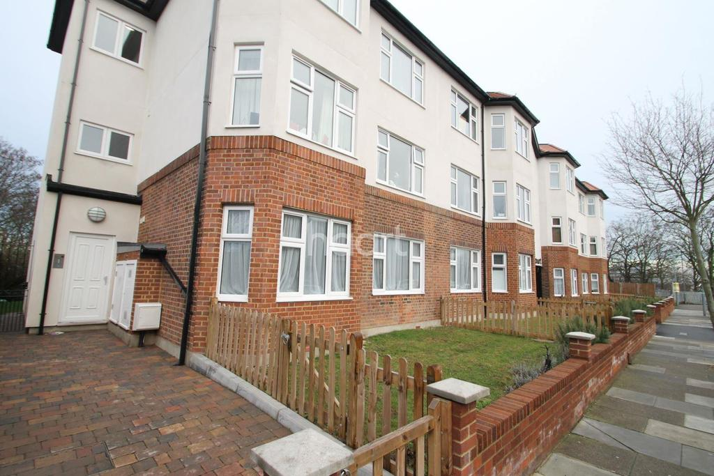 3 Bedrooms Flat for sale in Canonhall Court, Newbury Park
