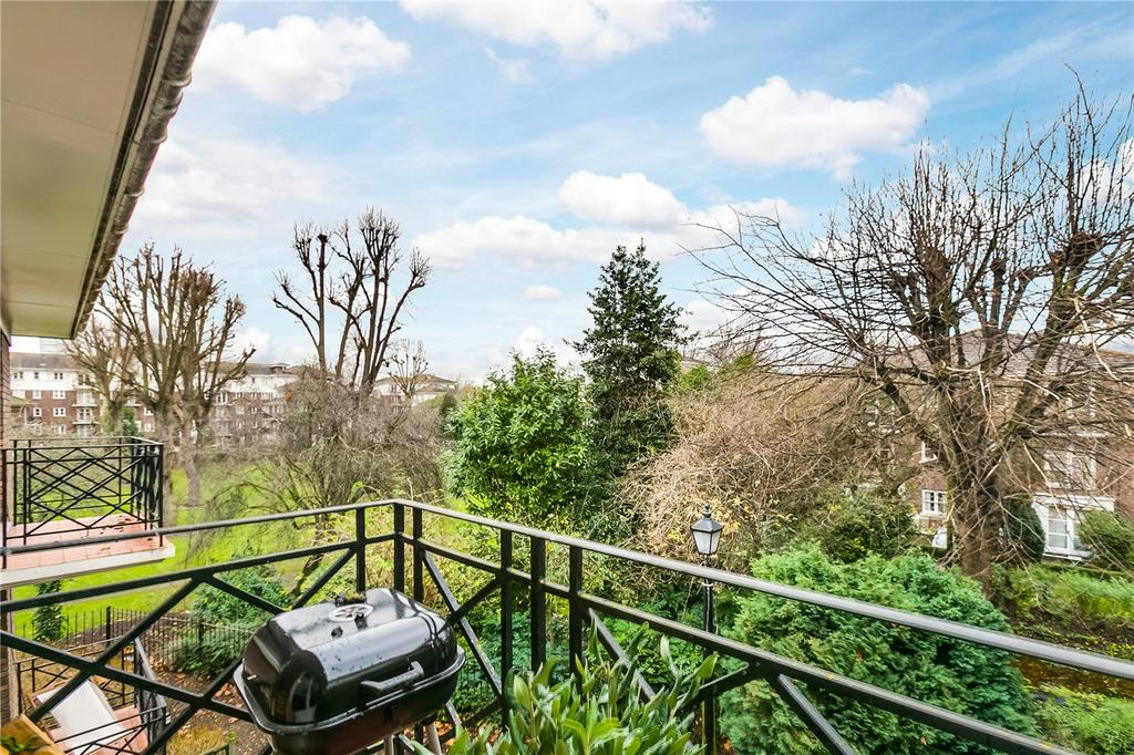 1 Bedroom Flat for sale in Brompton Park Crescent, London