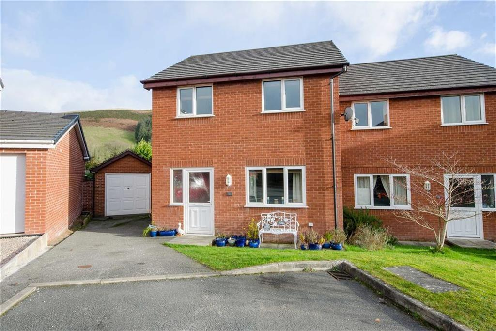 3 Bedrooms Semi Detached House for sale in Maes Y Delyn, Cyffylliog, Ruthin