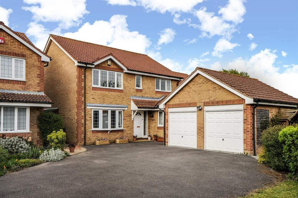 4 Bedrooms Detached House for sale in Hambrook Hill South, Hambrook