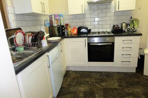 10 bedroom house to rent - & Mayville Street, Leeds