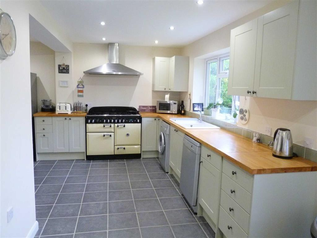 4 Bedrooms Detached House for sale in Forresters Drive, Welwyn Garden City