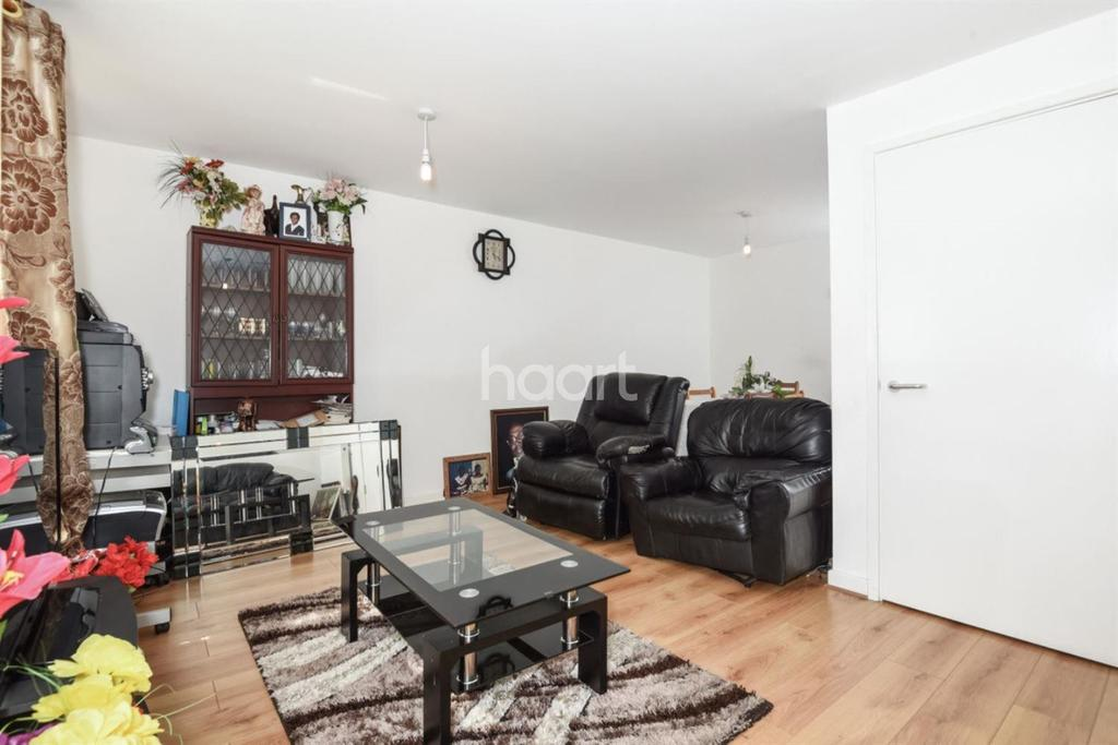 3 Bedrooms Maisonette Flat for sale in Crawshay Road, Oval, SW9