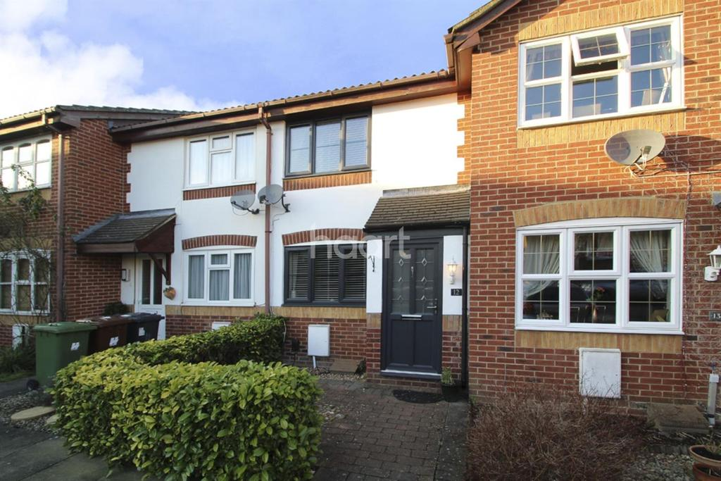 2 Bedrooms Terraced House for sale in Farm Close, Theobald Street
