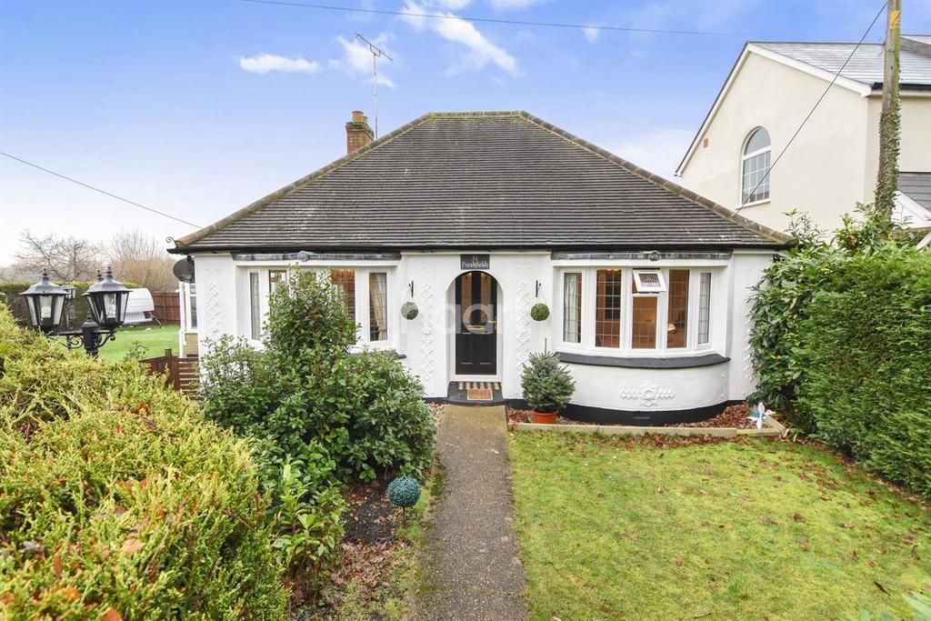 2 Bedrooms Bungalow for sale in Mill Lane, Danbury