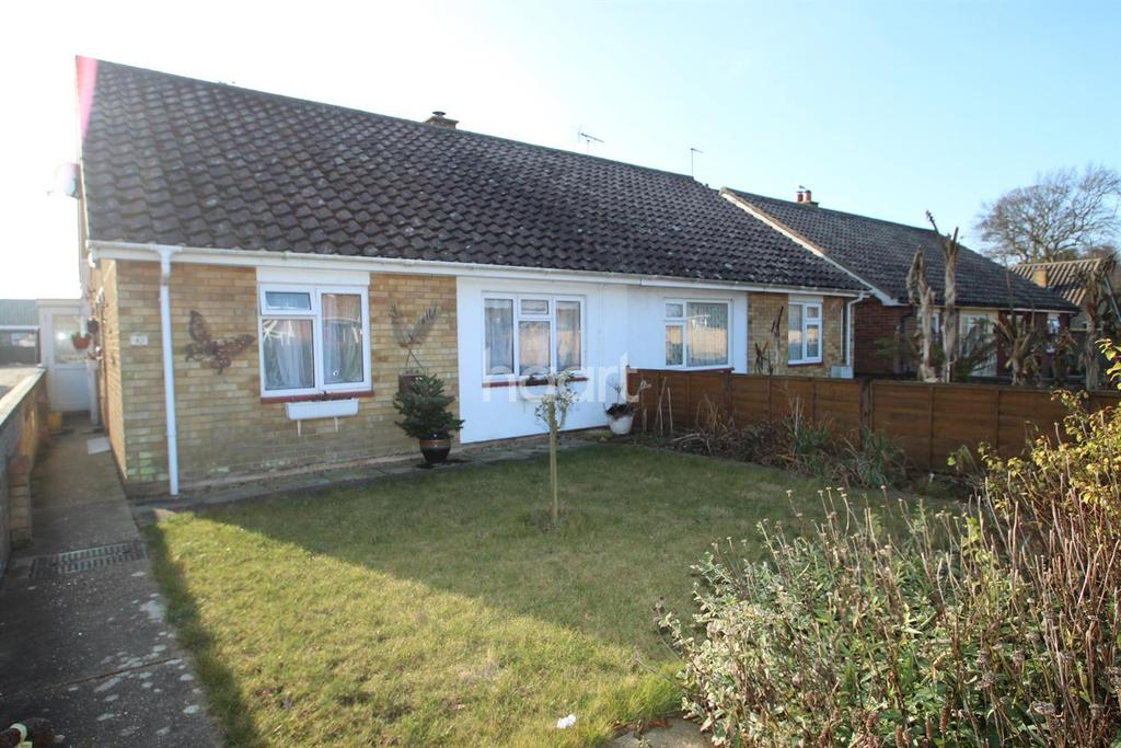 2 Bedrooms Bungalow for sale in Vicarage Road