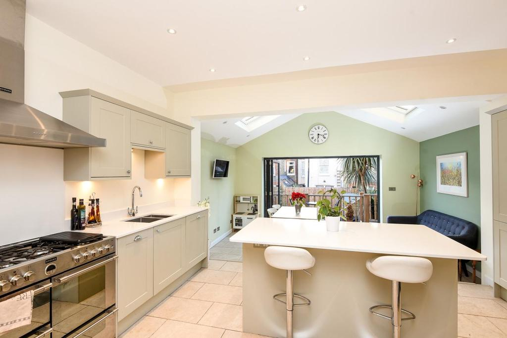 4 Bedrooms Terraced House for sale in Chasefield Road, Tooting, SW17