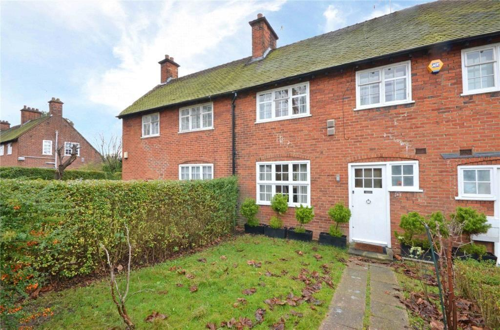 2 Bedrooms Terraced House for sale in Falloden Way, Hampstead Garden Suburb