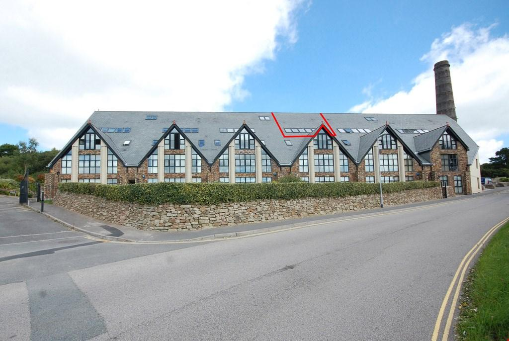 2 Bedrooms Penthouse Flat for sale in Carclaze, St Austell, Cornwall, PL25