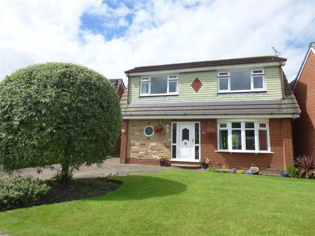 4 Bedrooms Detached House for sale in Kirkdale Drive, Royton, Oldham, OL2