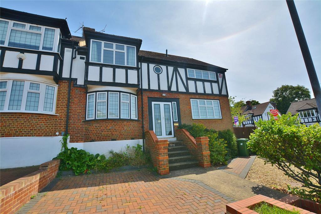 4 Bedrooms Semi Detached House for sale in Somers Way, Bushey Heath, Hertfordshire, WD23
