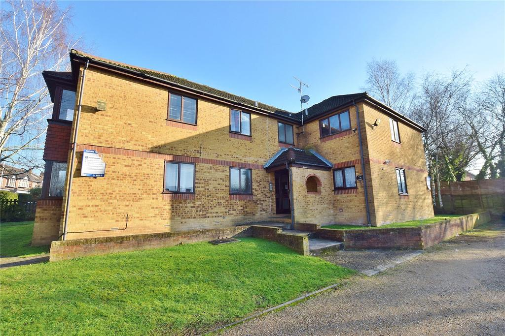 2 Bedrooms Apartment Flat for sale in Colne Lodge, Bushey Hall Road, Bushey, Hertfordshire, WD23