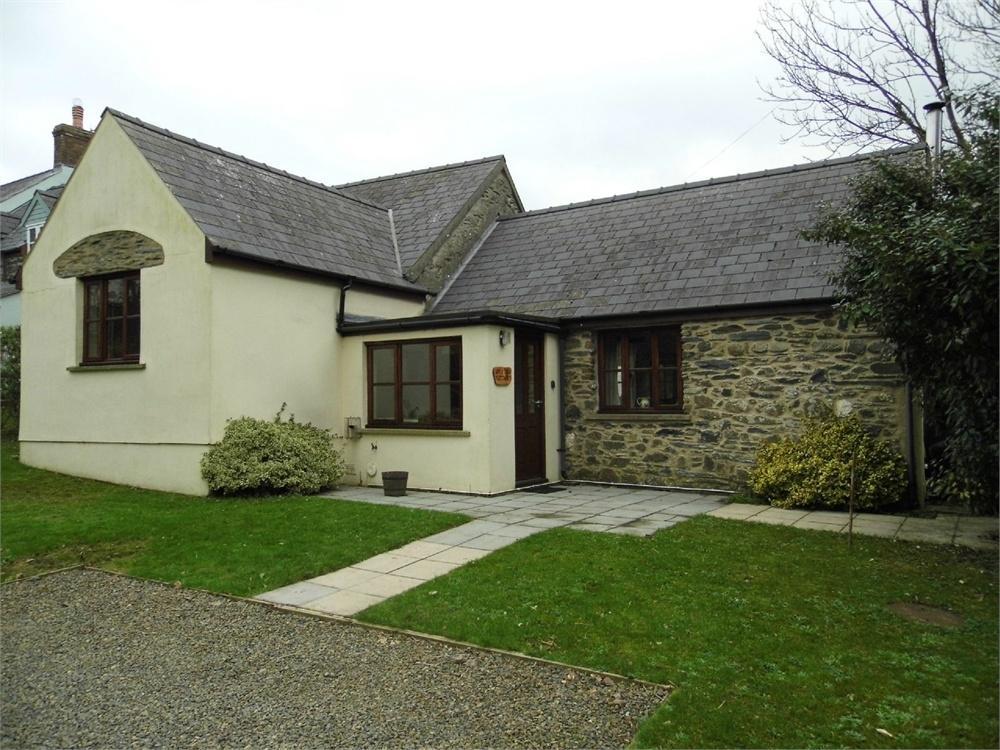 2 Bedrooms Cottage House for sale in Appletree Cottage, Ffordd Yr Afon, Trefin, Haverfordwest, Pembrokeshire